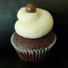 Salted Caramel: Chocolate cake topped with salted caramel buttercream